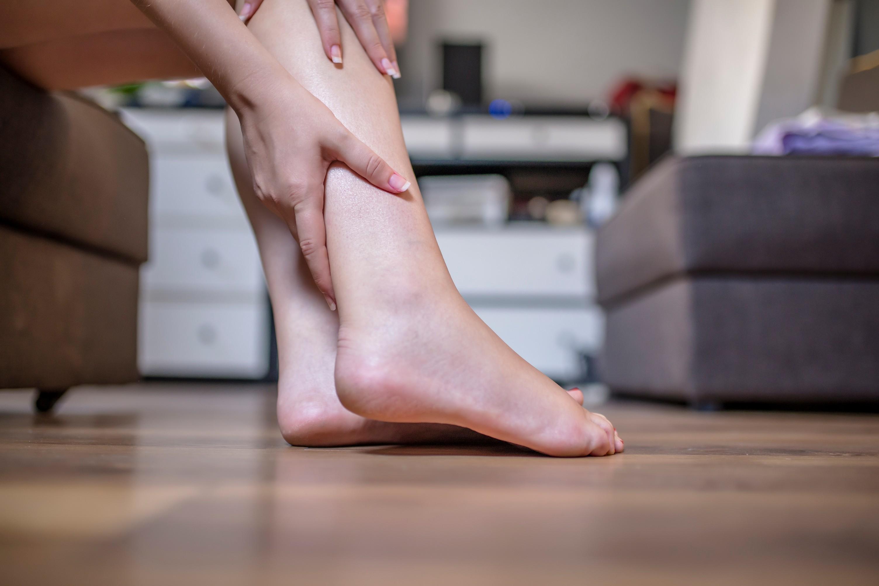 sensación de ardor con picazón en la parte inferior de las piernas
